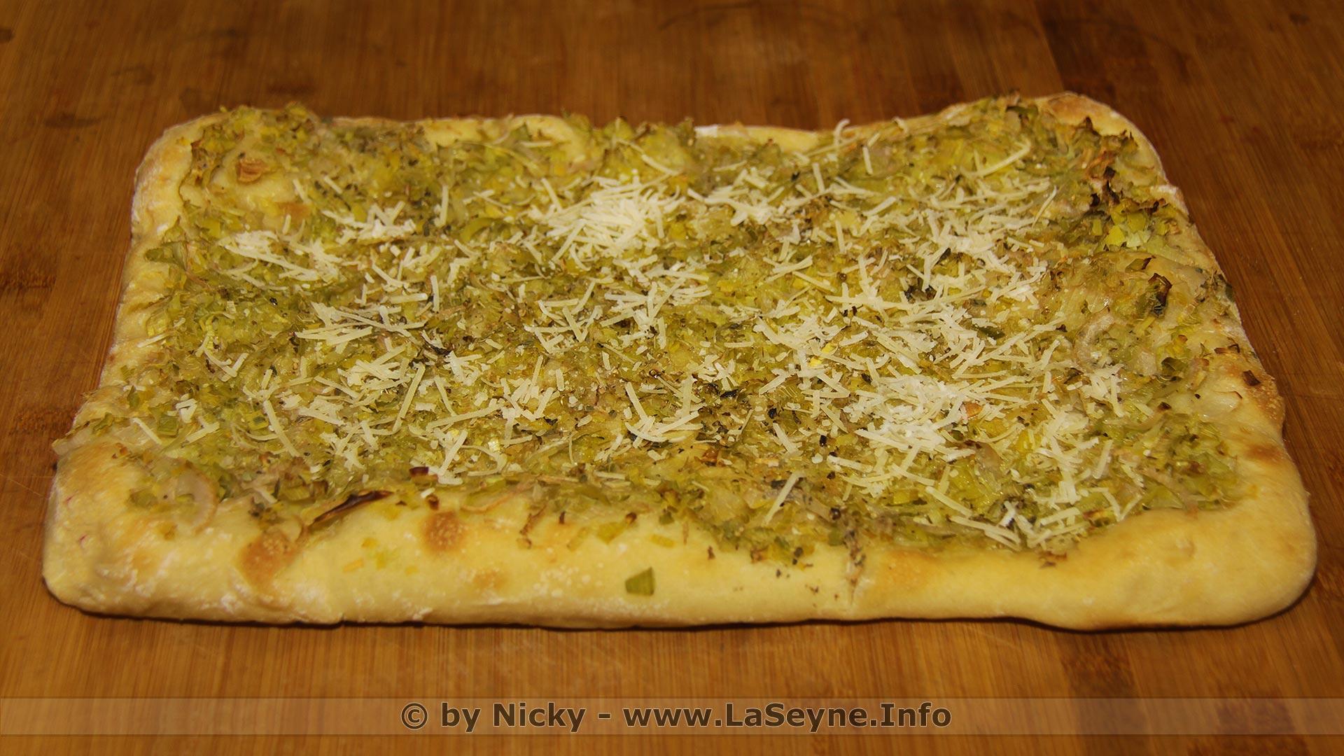 Une Sorte de Pizza à l'Oignon aux Poireaux